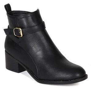 Breckelle's Black Booties
